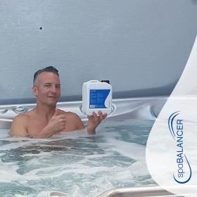 Die Wasserpflege ist einfach und schnell mit SpaBalancer