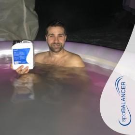 Die Whirlpool-Wasserpflege mit SpaBalancer ist simpel und zeitsparend