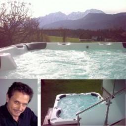 Outdoor Whirlpool IBADO ZR-70030 mit TV von wunschbad24.de