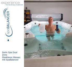 Swim Spa Dual Zone - glasklares Wasser mit SpaBalancer